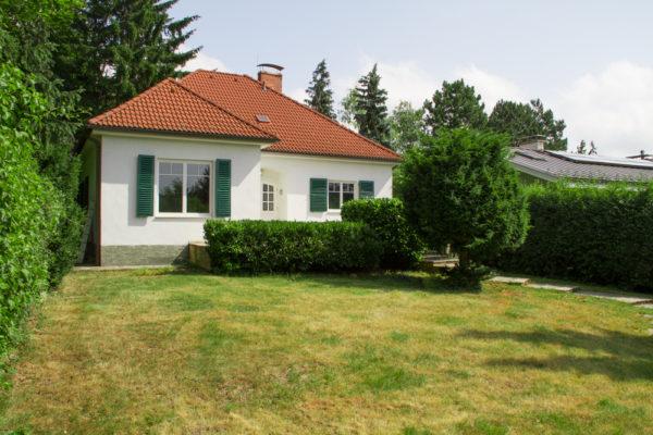 Kleine Villa mit Prachtgarten