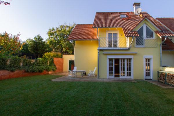 Bezauberndes Haus mit Garten