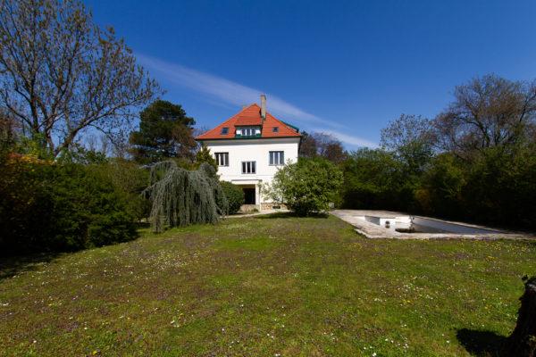 Traumhafte Villa mit Parkgarten